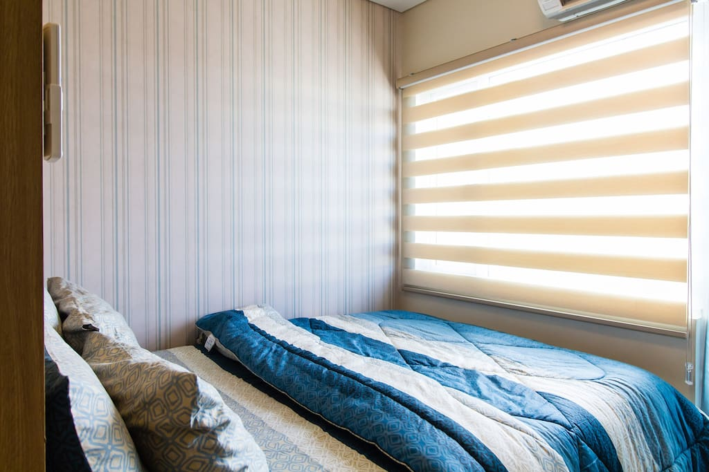 Combi blinds to help set natural lights in the bedroom