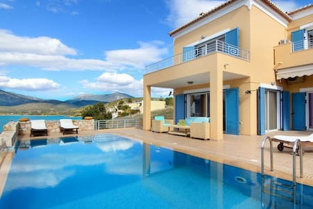 Villa Nisa: 5 Bedrooms, Private Pool & Sea View - Kilada - 别墅