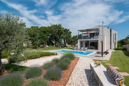 Holiday house with POOL in a rural peace