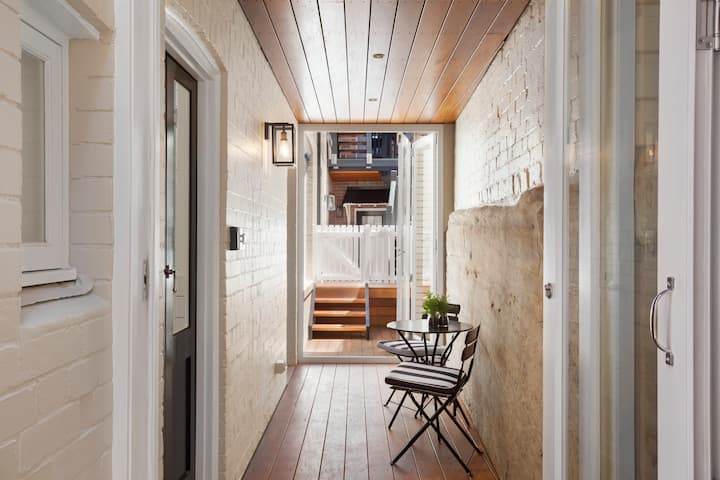 Heritage Luxury with Secret Courtyard