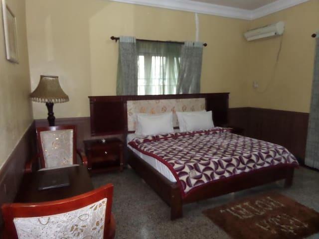R&A City Hotels-Family Single