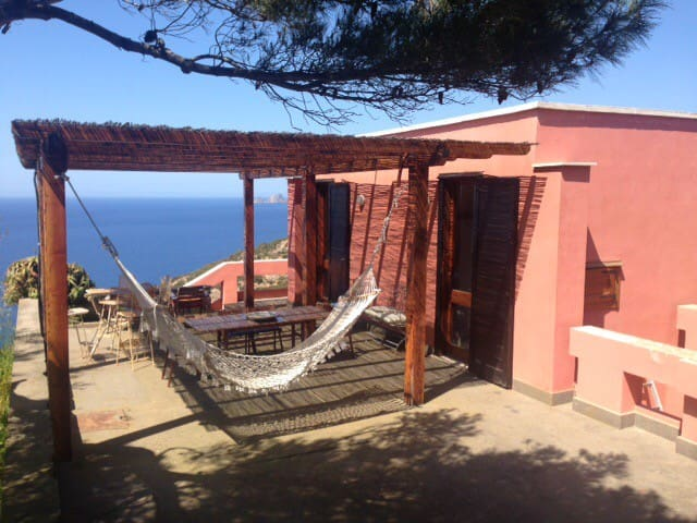 Charming villa in front of marvellous sunset - Isola di ponza - House
