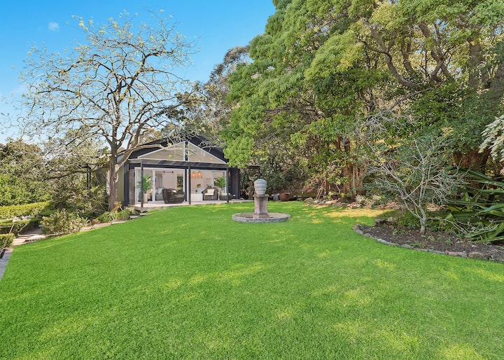 Luxury Country Escape in Sydney. Forget the drive.