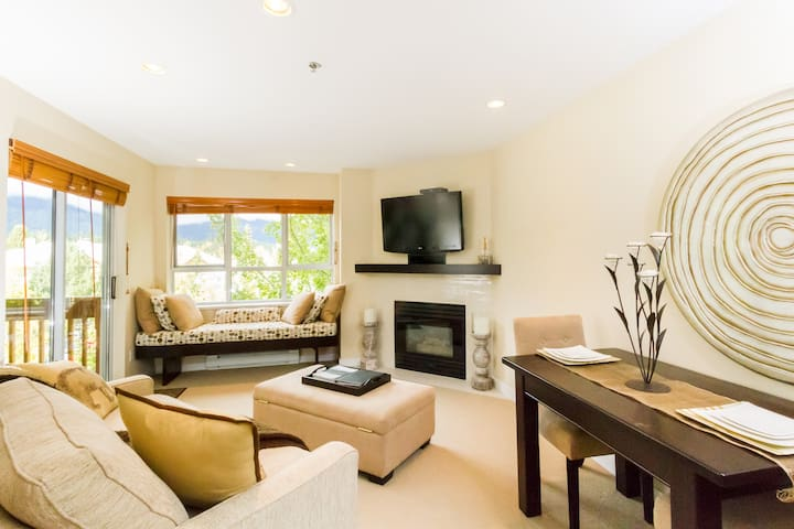 Top-Floor Condo in the Whistler Village w/ Parking