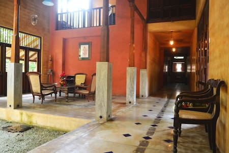 Villa with PRIVATE BEACH - Talpe - Bed & Breakfast