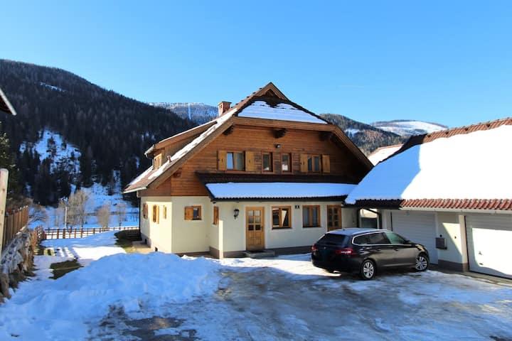 Gorgeous Holiday Home near Ski Area in Bad Kleinkirchheim