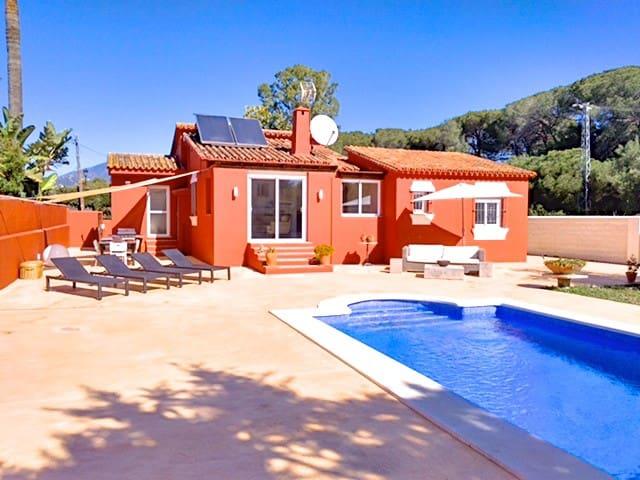 Stunning 3 bed villa, easy walking to Puerto Banus
