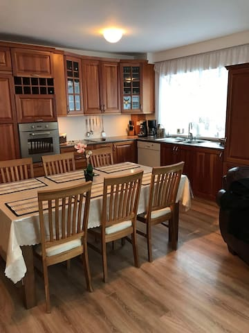 Cosy apartment, walking distance from town center