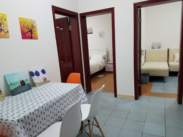 爱家小站-太古里-IFS-春熙路-339-两居室带小院阳光房-交通便利