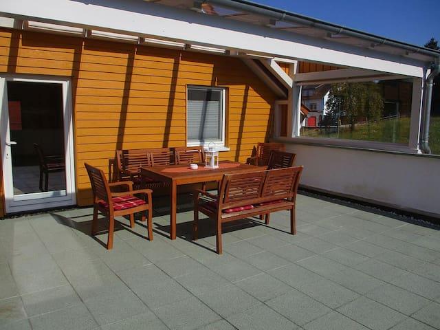 Ferienwohnungen am Osterberg (Liebenau-Ersen) -, Ferienwohnung Osterberg I, 157qm, 2 Schlafzimmer, max. 6 Personen
