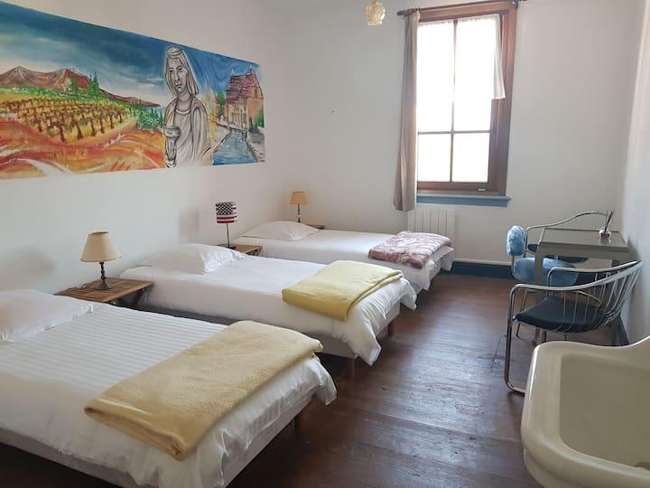 Chambre privée 4 lits dans un Gîte d'Etape Aubure
