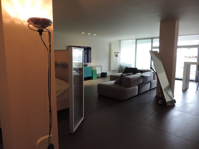Modern loft located in the heart of Mechelen. - Mechelen