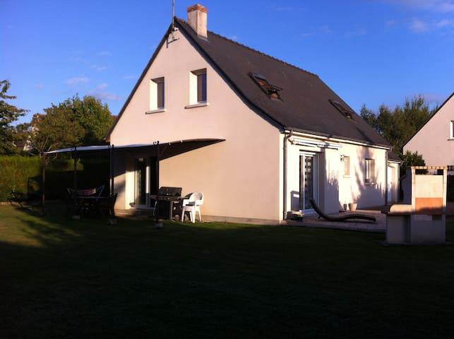 Jolie maison avec chambre calme et confortable