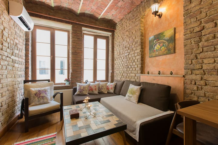 Historical & cozy apartment,Galata