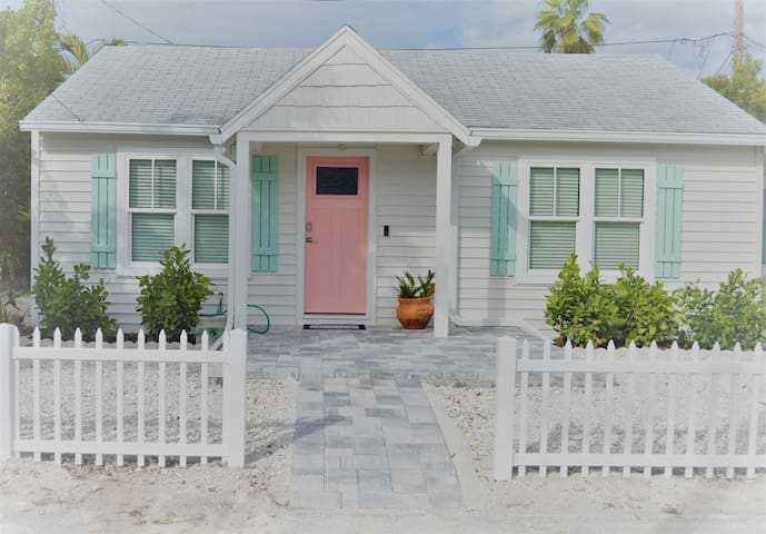 SeaGar's Beach Cottage