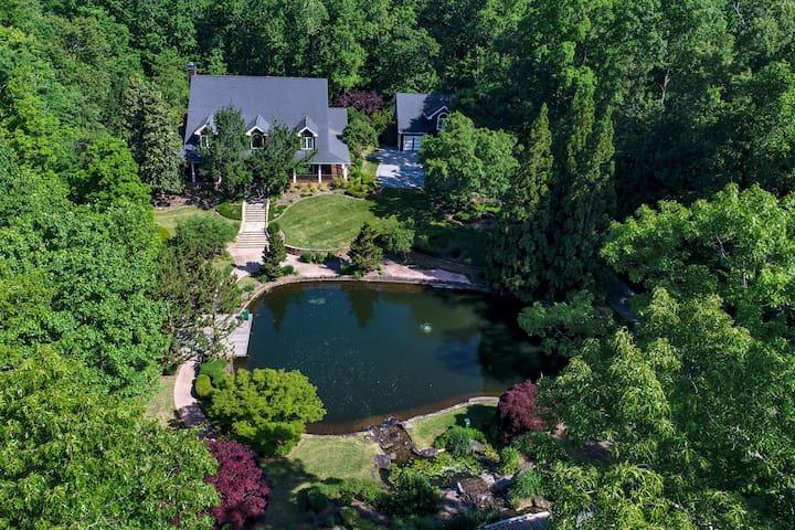 Lakeside Mansion | Pool + HT, Waterfall & Koi Pond