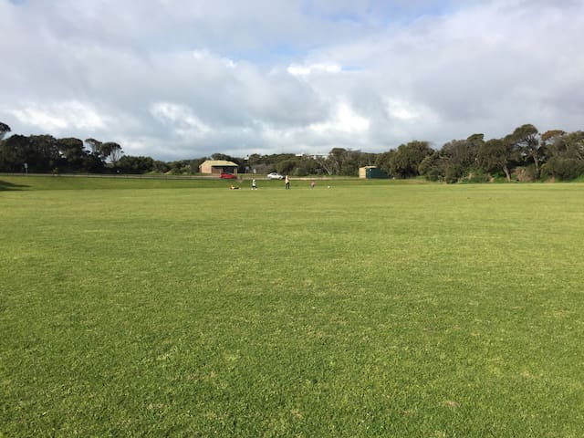 Let the kids run free next door at Stringer Reserve while you walk or run a few 400m laps.