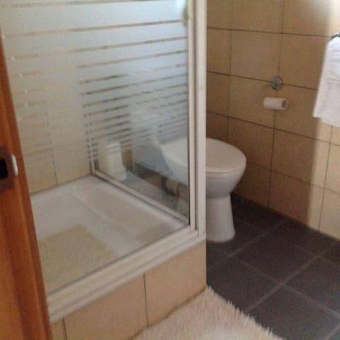 화장실, 샤워룸