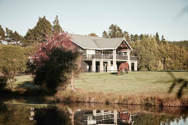 Country Villa, Auckland, New Zealand.