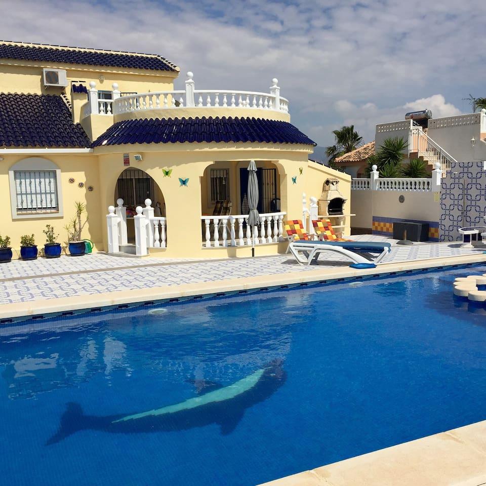 Casa Mazarron met privé pool en groot (overdekt) terras.