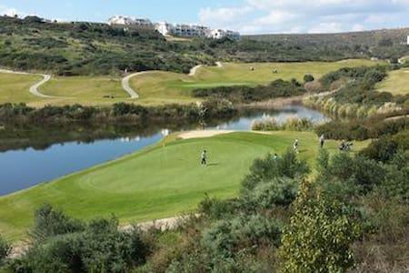 Appart sur golf superbe vue REF2104 - La Alcaidesa - Apartamento