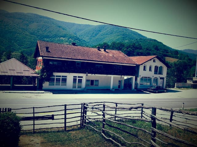 VINAC by Vrbas river guest house