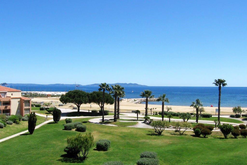 Appartement 4 personnes vue mer acc s direct plage appartements en r sidence louer la - Office du tourisme de la londe les maures ...