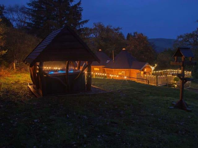 Kirnan Beg Log Cabin
