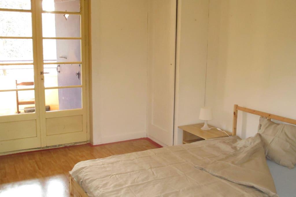 Chambre avec terrasse dans maison et jardin maisons louer petit lancy gen ve suisse - Chambre a louer a geneve ...