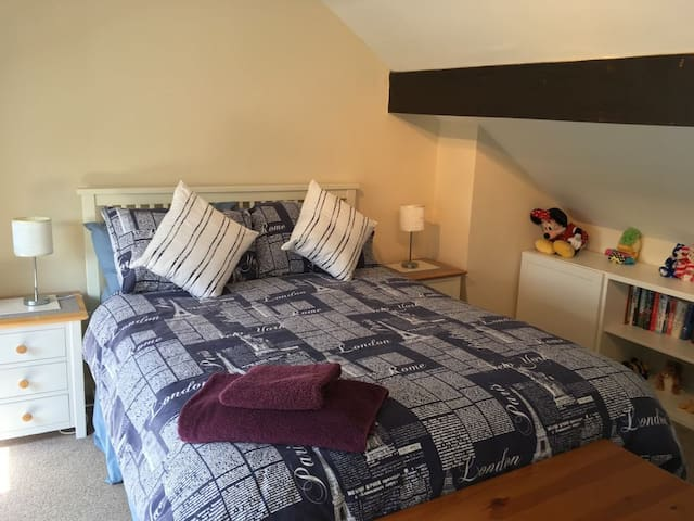 Attractive double bedroom with ensuite