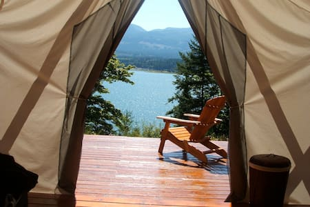 NEW! Spacious Eco-Retreat Cabin - Denman Island - Villa