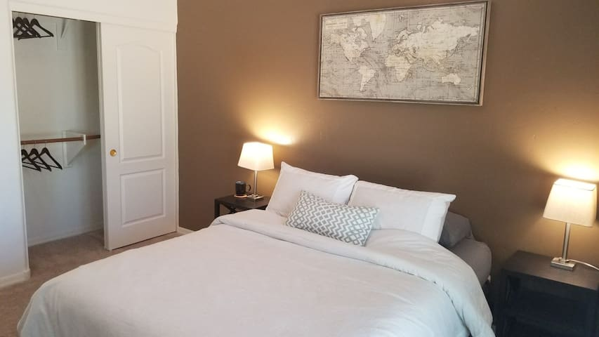 Quiet Home in Sabino -- Queen Bedroom