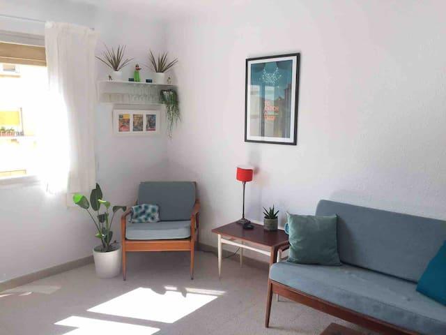 Tarragona, piso limpio y soleado