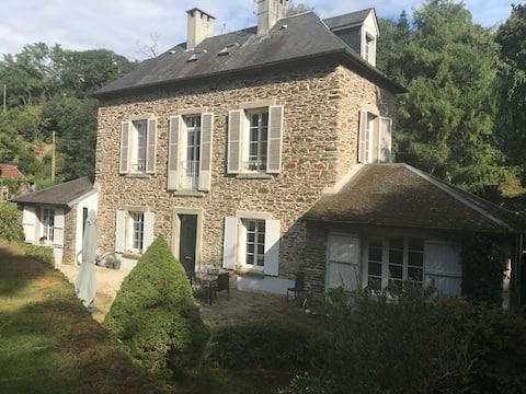 Chambre de caractère dans une maison du XVIIIe