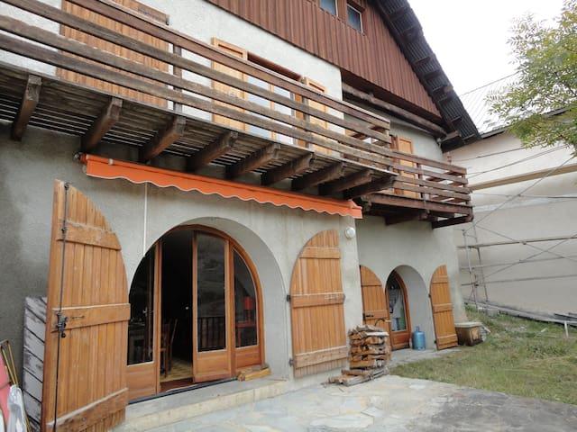 Charmant chalet  Vars Ste Catherine - Vars - House