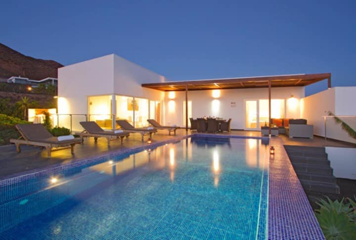 Hoopoe Deluxe Villa 4 bedrooms