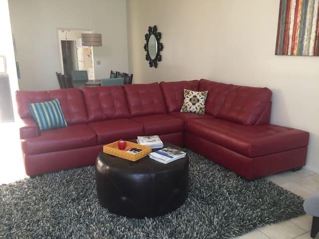 PRIVATE , PEACEFUL & COMFORTABLE HOUSE @EL DORADO