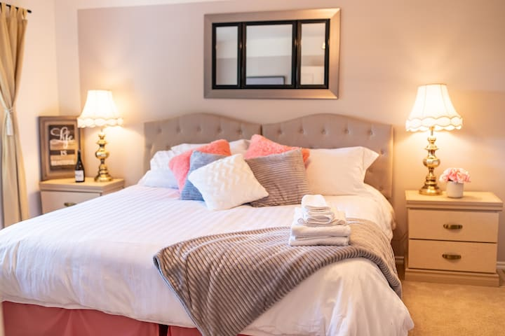 In the Beginning King/Twin Beds -Bed and Breakfast