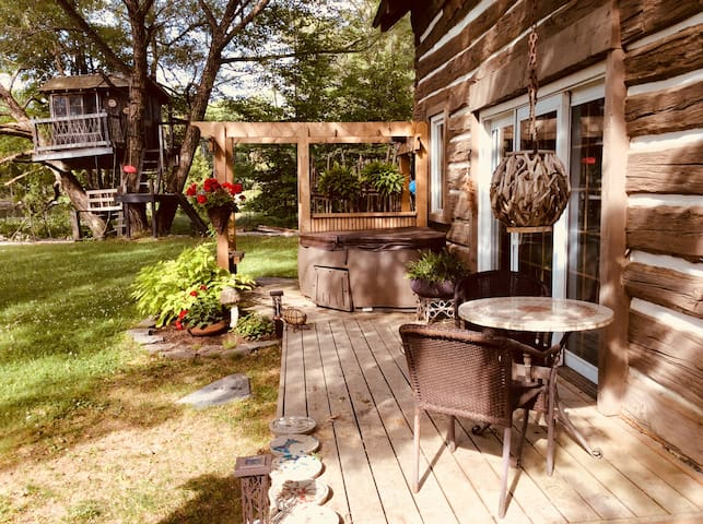 Muskoka Riverloft and Treehouse , Muskoka River