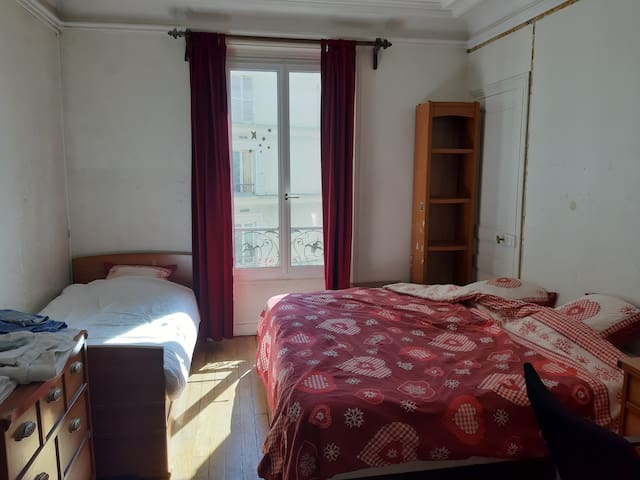 Chez Philippe grande chambre pour 3 personnes