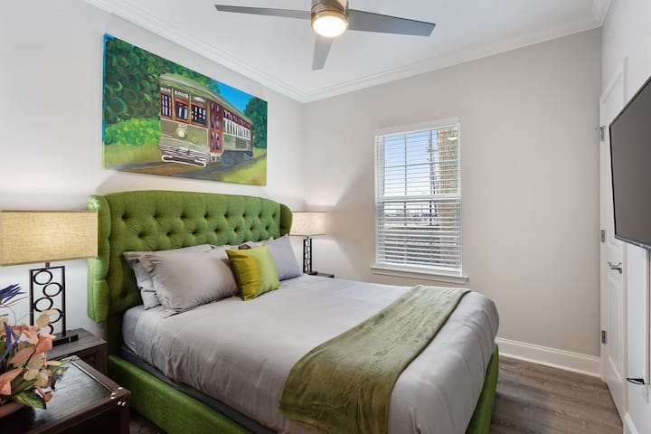 """Guest bedroom #3 or the """"STREETCAR ROOM"""" with a 43"""" smart TV (netflix included) plush mattress and soft linens!"""
