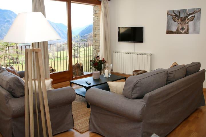 """""""Vista Àneu"""" - Acogedor apartamento de montaña"""
