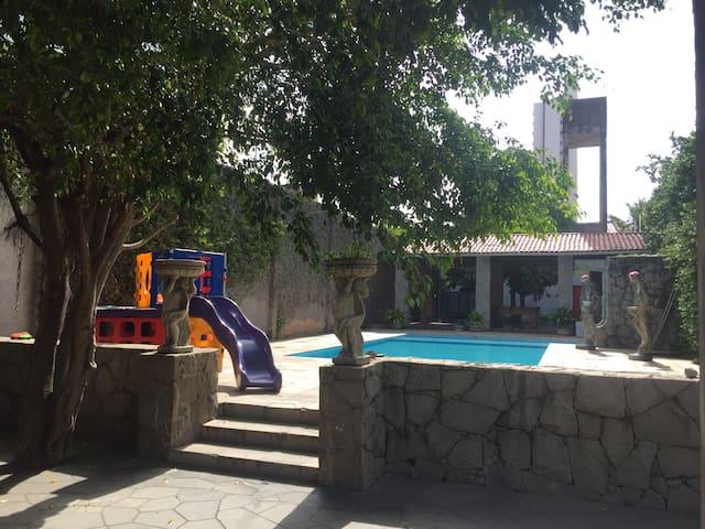 Quarto mobiliado em mansão /aldeota - Fortaleza - House