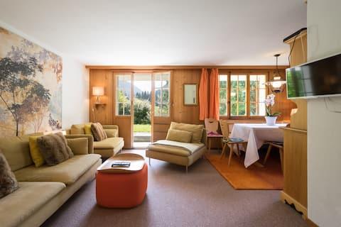 Jasne i nowoczesne mieszkanie w tradycyjnym domku