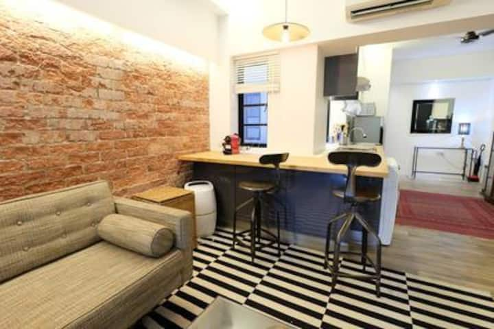 H - Fabulous Industrial-Chic Two Bedrooms APT