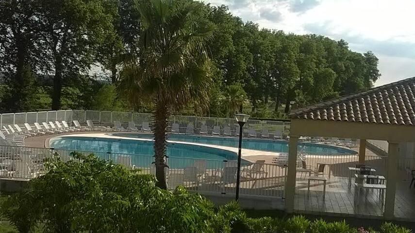 Maison 3p, jardin clos,  résid. sécurisée, piscine - Béziers - House