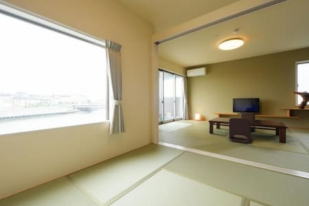 A Comfortable Hotel Stay in Matsushima (A Tatami Suite with A Cypress Bath)