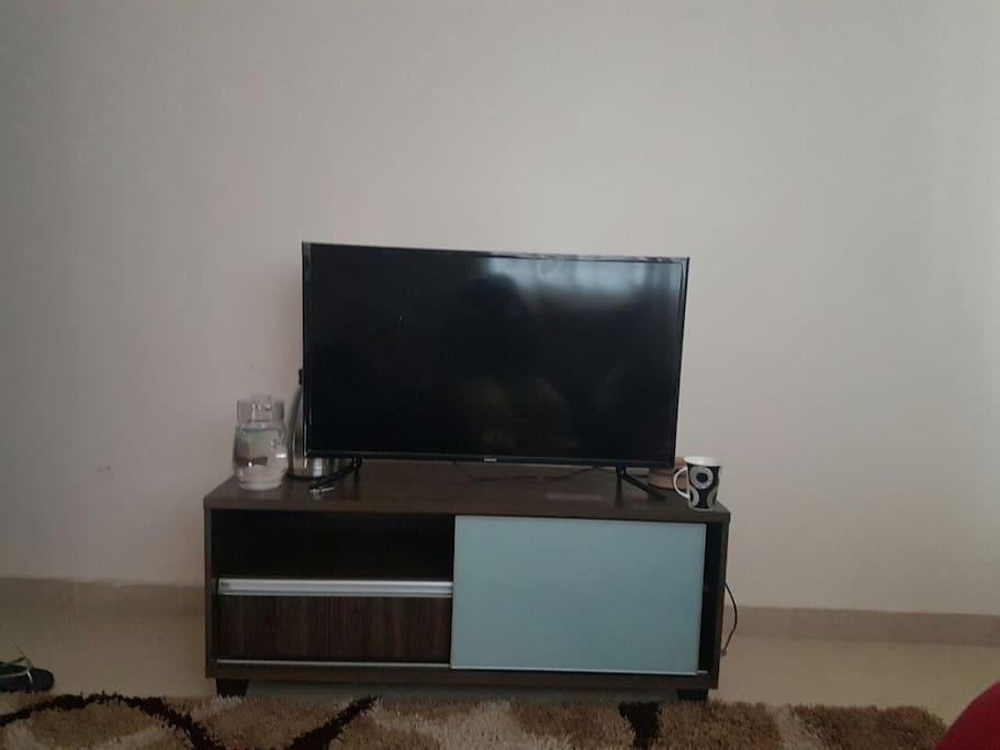 40 inch Samsung TV connected to DSTV