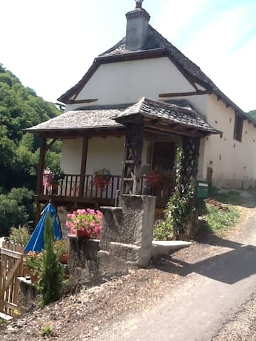 maison de vacance vallée du lot - Vieillevie - 一軒家