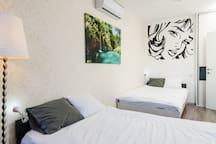 Bedroom 2x beds 120cm Wide